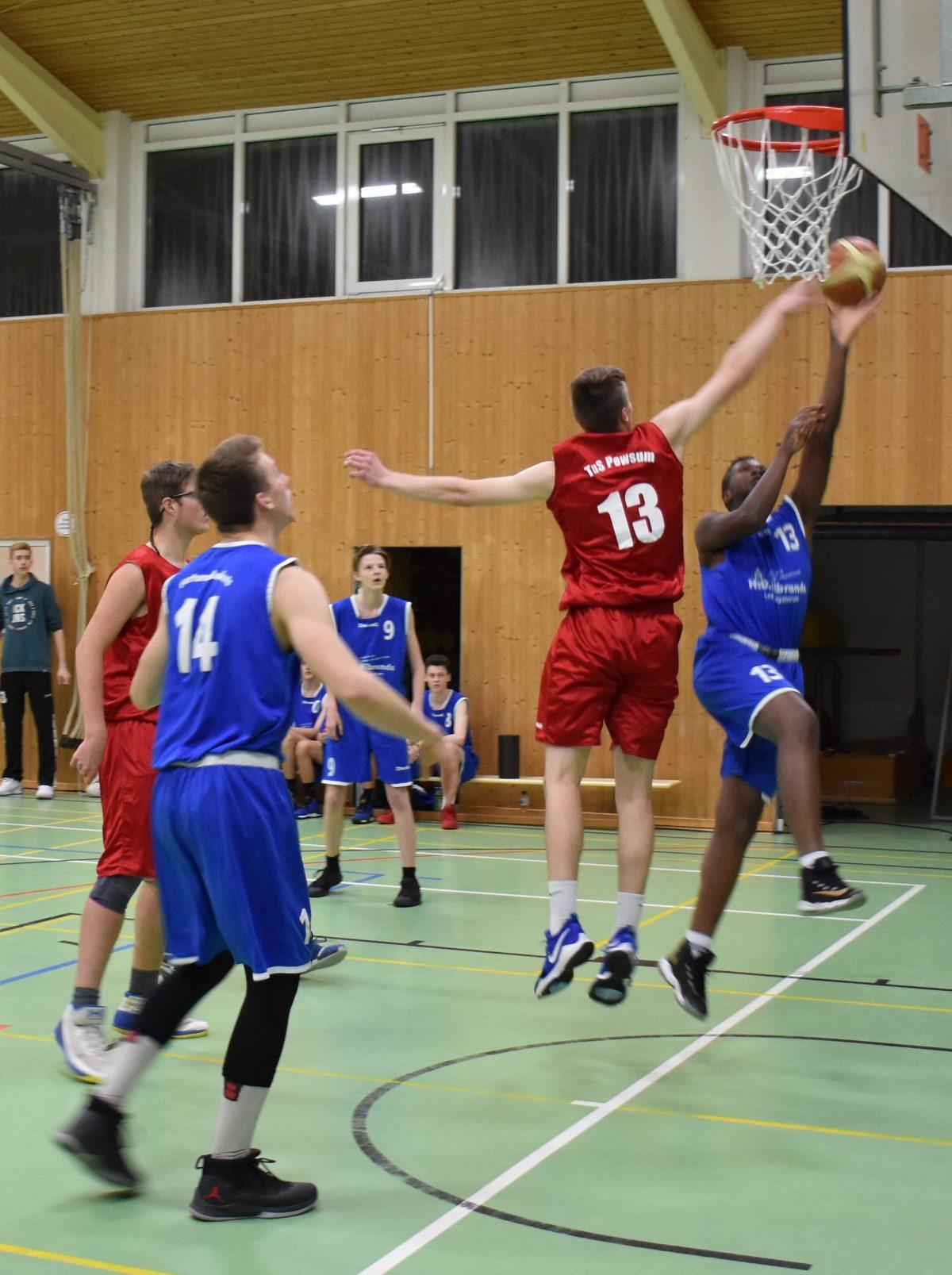 U18/2 besiegt Pewsum erst in den Schlussminuten
