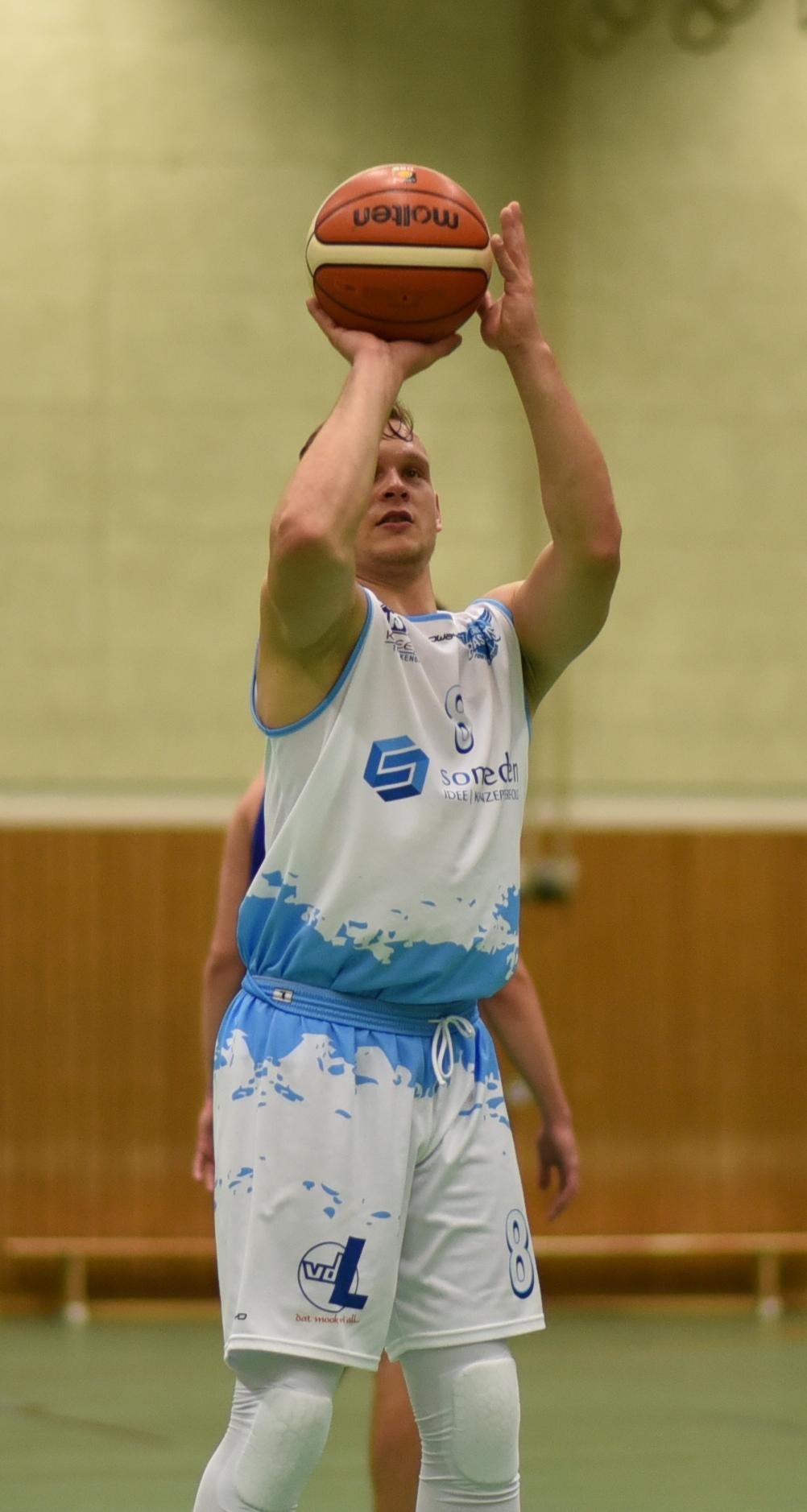 76:63 – Überragender Adzgauskas ballert Logabirum ins Viertelfinale
