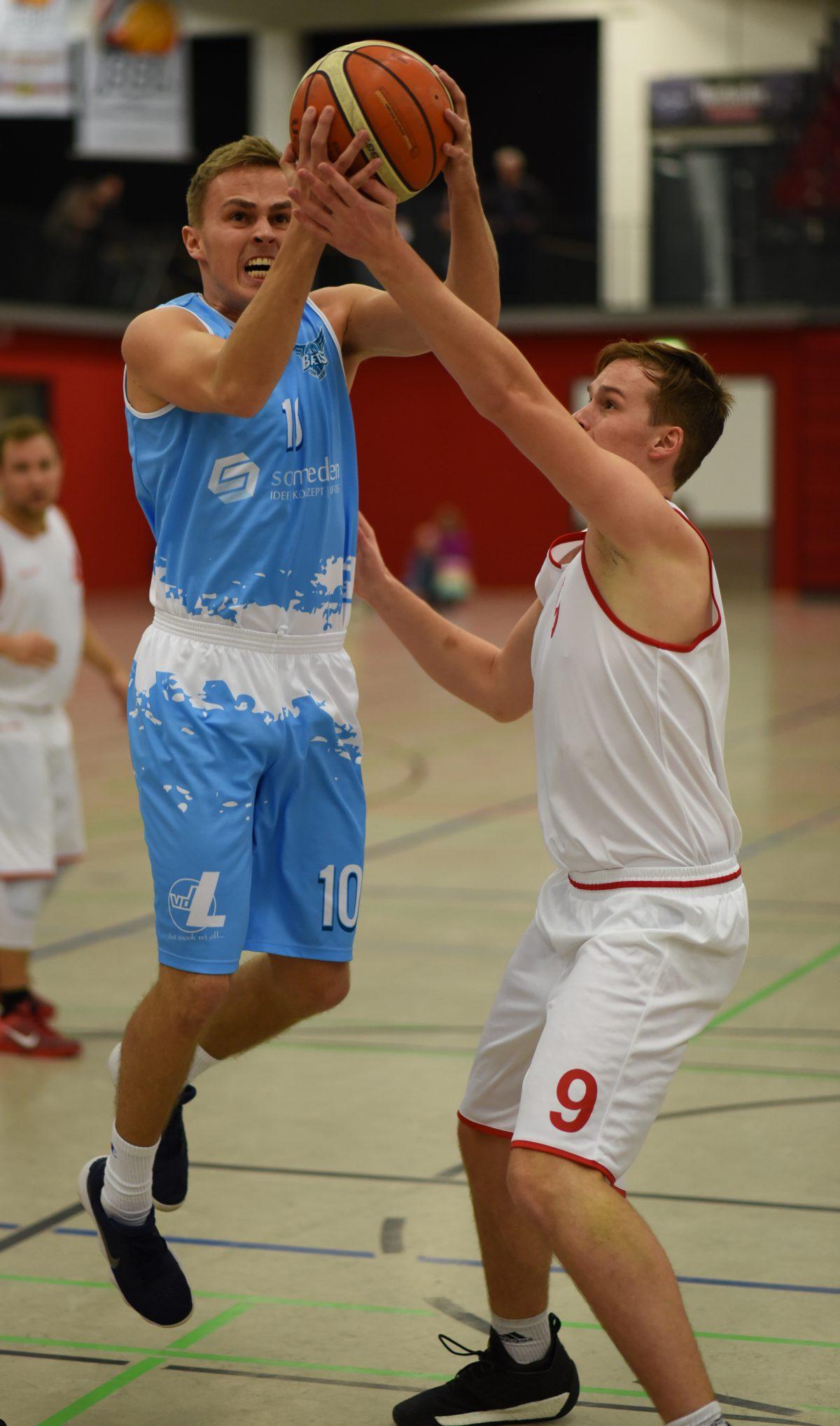 89:74 – S.O. Medien Baskets drehen 20-Punkte-Rückstand bei Meisterschaftsanwärter Quakenbrück
