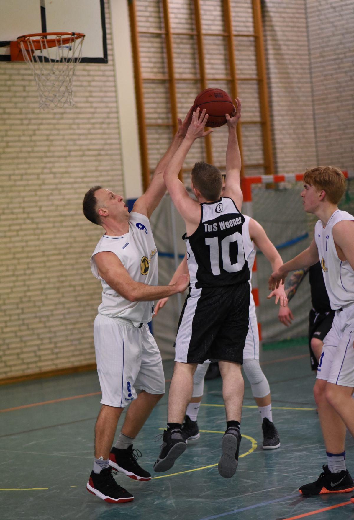 78:52 – Logabirum III gewinnt Kreisderby in Weener