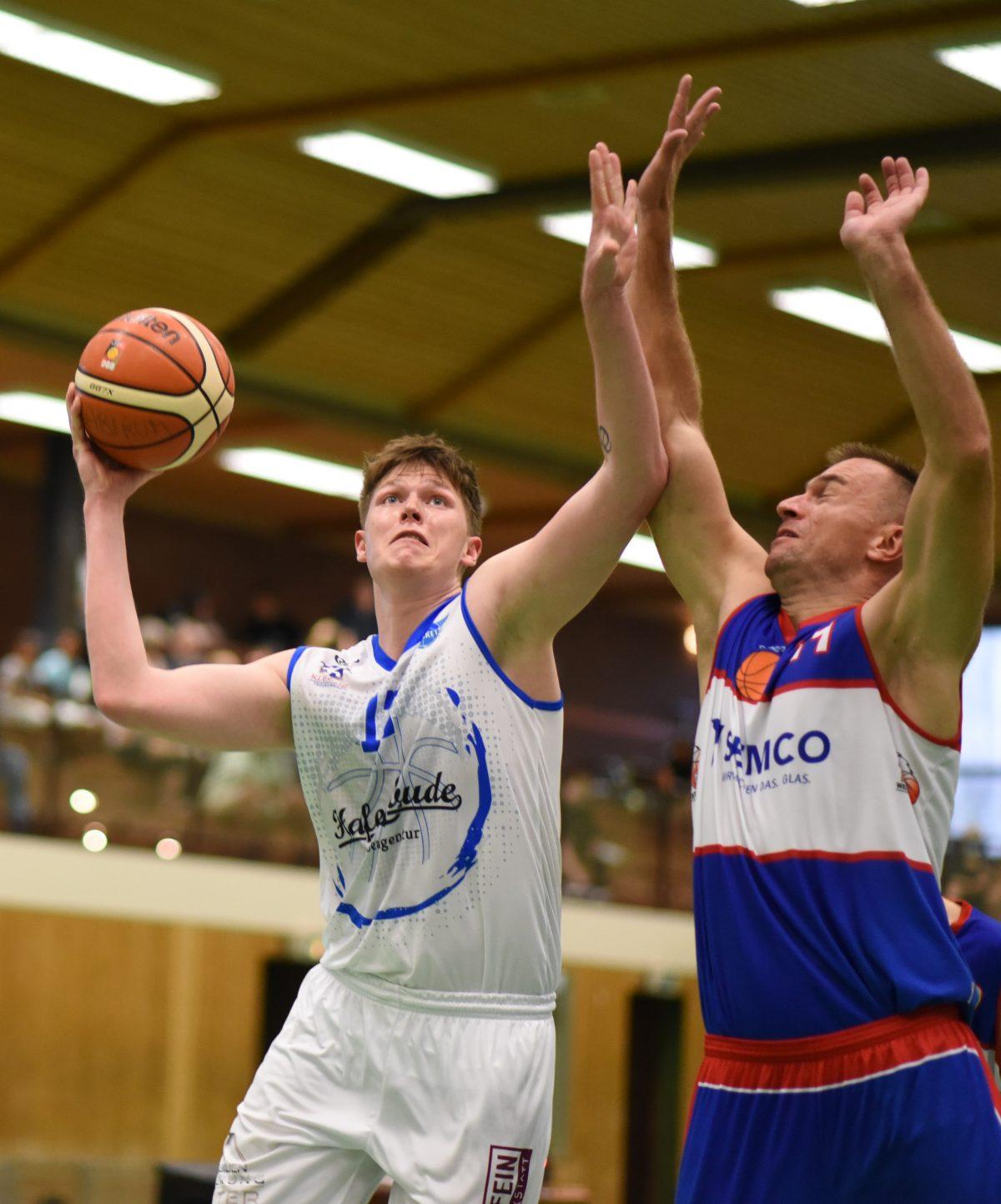 68:62 – Dr. Klein Baskets feiern im hitzigen Derby gegen Westerstede Start nach Maß